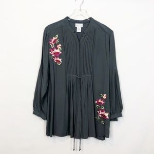 Soft Surroundings Gray Crepe Embroidered Tunic PL